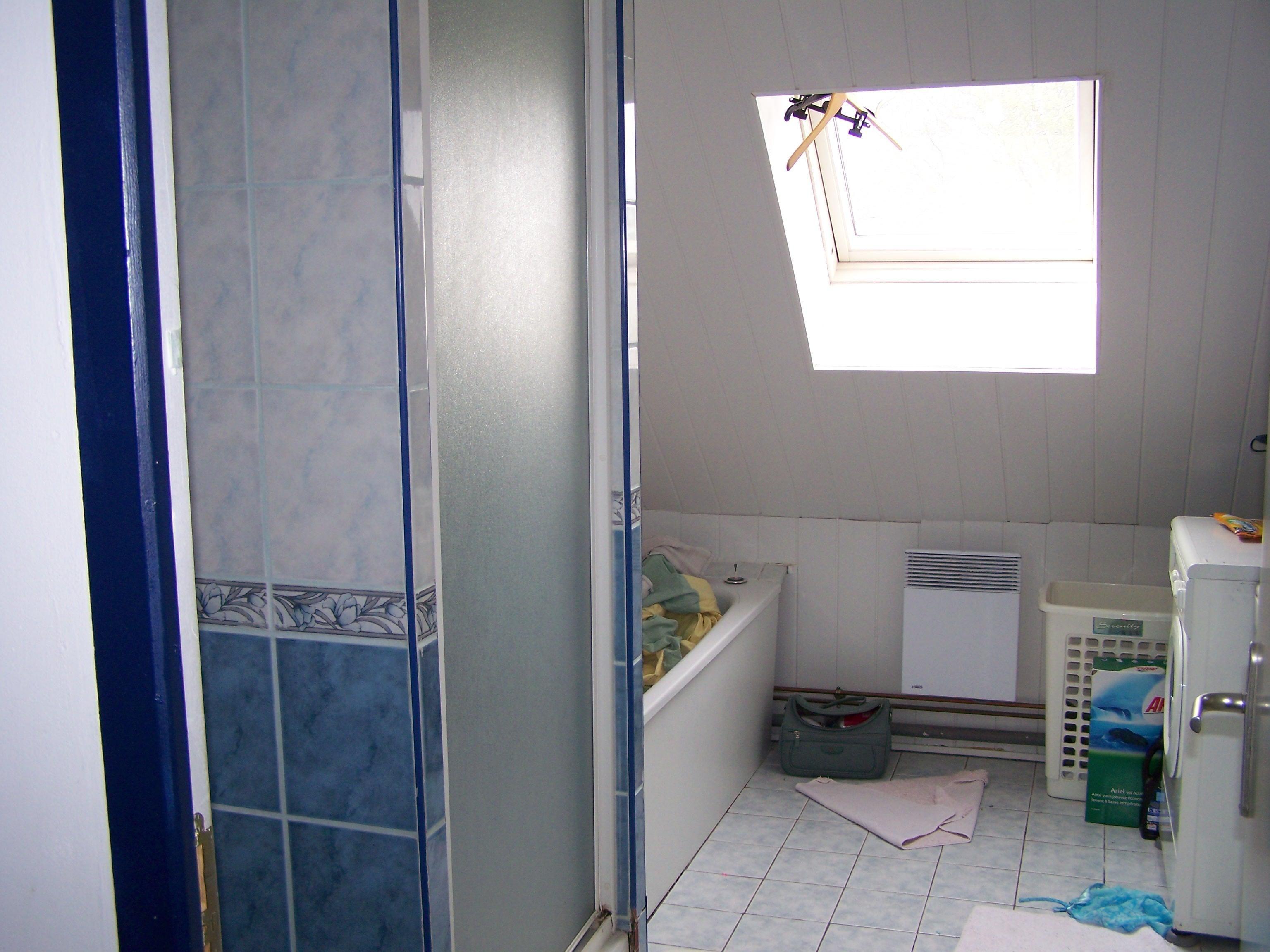 c 39 est fred qui refait sa salle de bain tout seul douche italienne et mure de brique de verre. Black Bedroom Furniture Sets. Home Design Ideas